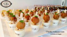 Fosse per me mangerei polpette tutti i giorni, fatte in tutte le salse. Polpette di carne, di verdura, di legumi...Queste sono di melanzane su fonduta di Taleggio. Provatele e ditemi se vi piacciono http://www.lacucinadelcuore.it/ricette/finger-food/polpette-di-melanzane-su-fonduta-di-taleggio/  #ifoodit #ifoodies #foodporn #delicius #fingerfood #autumn  #lemon #cannella #dolci #me #italianfood