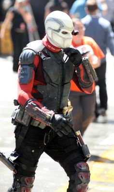 More Awesome SUICIDE SQUAD Set Pics Show 'Deadshot' In Action And The Team Together Again