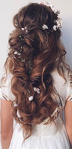 48 Our Favorite Wedding Hairstyles For Long Hair - Hair Styles Long Hair Wedding Styles, Elegant Wedding Hair, Wedding Hair Flowers, Wedding Hairstyles For Long Hair, Boho Hairstyles, Wedding Hair And Makeup, Flowers In Hair, Hairstyle Ideas, Trendy Wedding