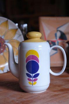 vintage Bavaria West German porcelain coffee pot picked up at Todmorden fleamarket