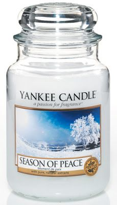 Yankee Candle Season of Peace Large Jar (New for - Reflect on the silently peaceful solitude of winter's snowfall, captured in this cool, enchanting white musk blend. Yankee Candle Scents, Yankee Candles, Scented Candles, Candle Jars, Candle Holders, Yankee Candle Christmas, Christmas Candles, Candle Branding, Candle Accessories