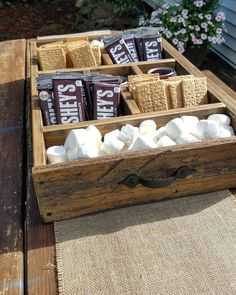 Precious Tips for Outdoor Gardens - Modern Burger Party, Bbq Party, Outdoor Sweet 16, Wine Party Appetizers, Classy Bachelorette Party, Party Stations, Barn Parties, S'mores Bar, Sweet 16 Parties
