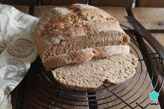 Spelt Bread, Spelt Flour, Whole Wheat Bread, Pan Bread, Food Staples, Cake Mold, How To Make Bread, Other Recipes, Free Food