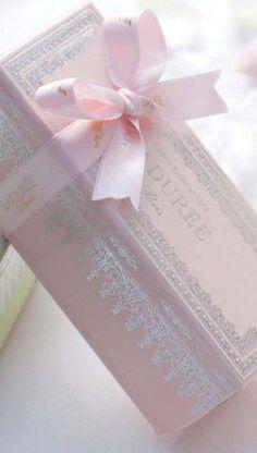 Paris Pastel Pink Laduree Mauve, Laduree Macaroons, Macarons, Macaroon Box, Dessert Packaging, Pink Love, Blush Pink, Tout Rose, Deco Rose