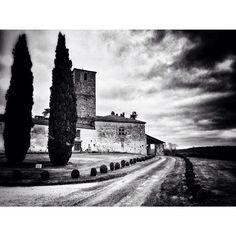 Photos et vidéos prises à Château De Poudenas sur Instagram