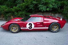 1966 Ford in red! Ford Gt40, Ford Mustang, Classic Race Cars, Ford Classic Cars, Road Race Car, Gt Cars, Cars Auto, Photo Vintage, Vintage Race Car