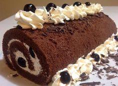 La bûche forêt Noire au mascarpone se compose d'une génoise roulée garnie de crème au mascarpone et de griottes. Facile à réaliser, synthèse de biscuitLire la suite
