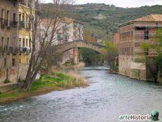 Puente de la Cárcel y  el Río Ega.  Estella Lizarra Ciudad Medieval en Navarra  http://parquelosdesvelados-calaverasestella.blogspot.com.es/  http://estellalizarra-ciudadmedieval.blogspot.com.es/  www.casaruralnavarra-urbasaurederra.com  http://elcaminodesantiago-estellalizarra.blogspot.com.es  http://nacedero-rio-urederra.blogspot.com.es/