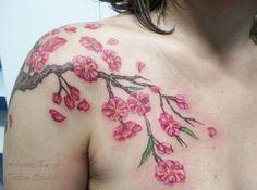 cerejeira - Tatuagem de Adriane Bazzo Tattoo Studio - Pouso Alegre/MG