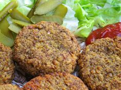 Hamburguesas de lentejas :: recetas veganas recetas vegetarianas :: Vegetarianismo.net Raw Food Recipes, Veggie Recipes, Cooking Recipes, Healthy Recipes, Hamburgers, Vegan Vegetarian, Vegetarian Recipes, Tapas, Greens Recipe