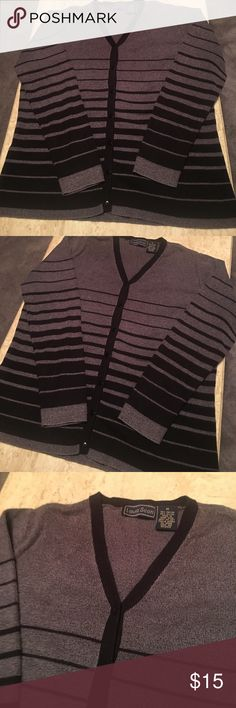Laura Scott Refined Black & Grey Button Up Sweater Laura Scott Refined Black & Grey Button Up Sweater. 75% Nylon 25% Polyester. Like NEW! Beautiful Sweater that goes with so many things❤️ Laura Scott Sweaters Cardigans