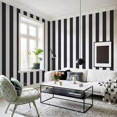 Die schönsten schwarz-weiß Interiors | Pinterest | Streifen tapete ...
