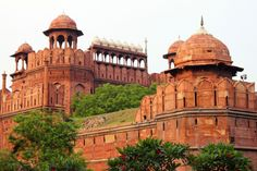 wanderthewood:  Red Fort, Delhi, India by palbuque