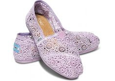 REALLY hope I'm a size W12 (I measured... :D) Lilac Snow Crochet Women's Classics Toms.com