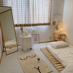 Design ideal from - Korean Interior Designer Keep your room minimalist, decorate with Linen and White colour. Room Ideas Bedroom, Small Room Bedroom, Bedroom Decor, Korean Bedroom Ideas, Bedroom Bed, Minimalist Room, Minimalist Wardrobe, Aesthetic Room Decor, Jolie Photo