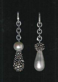 """Magnificent drop earrings by American (NYC)- born, Paris-based jewelry designer Joel Arthur Rosenthal From the """"JAR"""" retrospective book. via dibs and Fabulous Jewels. Jar Jewelry, High Jewelry, Jewelry Art, Jewelry Accessories, Fashion Jewelry, Jewelry Watches, Bling, Pearl Earrings, Drop Earrings"""