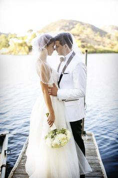 Gorgeous wedding style! LOVE! #wedding #bride #photography