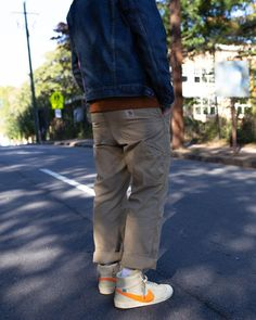 Nike Blazers Outfit, Khaki Pants Outfit, Dope Fashion, Sneakers Fashion, Mens Fashion, Fashion Outfits, Next Clothes, Young Fashion, Well Dressed Men