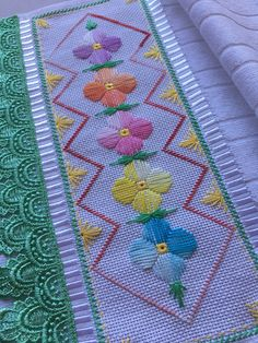 1 million+ Stunning Free Images to Use Anywhere Embroidery Sampler, Hand Embroidery Patterns, Modern Cross Stitch Patterns, Cross Stitch Designs, Swedish Weaving Patterns, Bargello Patterns, Hairpin Lace Crochet, Contemporary Embroidery, Weaving Art