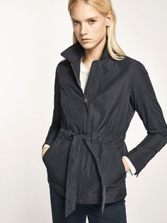 Spring summer 2017 Women´s NAVY BLUE PARKA WITH DETACHABLE INTERIOR DETAIL at Massimo Dutti for 79.95. Effortless elegance!