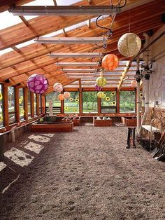 Earthship & co See passive solar and energy efficient greenhouse models, as well as an the plants gr Home Greenhouse, Small Greenhouse, Greenhouse Gardening, Greenhouse Ideas, Greenhouse Wedding, Underground Greenhouse, Outdoor Greenhouse, Greenhouse Attached To House, Pallet Greenhouse