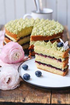 Pistazien-Heidelbeer-Torte