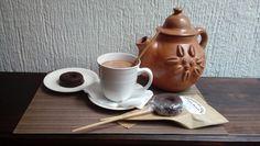 Chocolate de Guatemala Tradición sabor para compartir Chocolate, Tea Pots, Tableware, Good Things, Dinnerware, Schokolade, Dishes, Tea Pot, Chocolates
