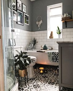 Ω Monochrome bathroom with patterned tiles and roll-top bath . Ω Monochrome bathroom with patterned tiles and roll-top bath … White Subway Tile Bathroom, Best Bathroom Tiles, Grey Bathrooms, Bathroom Colors, Small Bathroom, Subway Tiles, Bathroom Ideas, Bathroom Inspo, Bathroom Designs