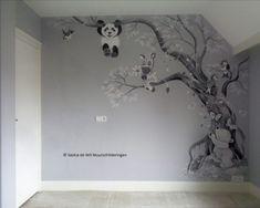 Babykamer muurschildering boom met panda, beertje, zebra en vogeltjes. Origineel design door Saskia de Wit muurschilderingen