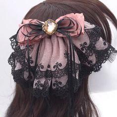 Kawaii Accessories, Diy Hair Accessories, Gothic Hairstyles, Cool Hairstyles, Ribbon Hairstyle, Manga Hair, Dimonds, Boutique Hair Bows, Hair Ornaments