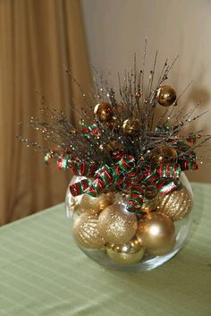 Wednesday: 7 Unique Holiday Centerpieces Christmas :) Santa Hat Christmas Decoration Merry Mailbox T. All Things Christmas, Winter Christmas, Christmas Holidays, Christmas Ornaments, Simple Christmas, Christmas Design, Beautiful Christmas, Christmas Bowl, Office Christmas
