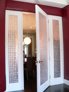 Capiz door or folding screen? Couch Furniture, Entry Doors, Entryway, Furniture Upholstery, Living Spaces, Bedroom Decor, House Design, Interior, Walls
