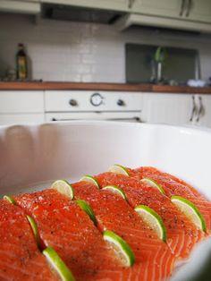 Oman kuplansa sankari: Lime-parmesaanilohi Ratatouille, Sausage, Lime, Japanese, Meat, Ethnic Recipes, Food, Limes, Japanese Language