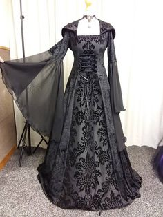 Halloween vampire dress Gothic dress black medieval dress