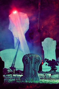 Photo Credit: Eric Brown - Grandin Road's Spooky Decor Challenge 2012