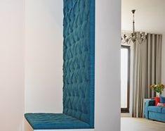Aranżacje wnętrz - Hol / Przedpokój: Mieszkanie z akcentem koloru - Średni hol / przedpokój, styl klasyczny - emilia cieśla | design & interior design. Przeglądaj, dodawaj i zapisuj najlepsze zdjęcia, pomysły i inspiracje designerskie. W bazie mamy już prawie milion fotografii!