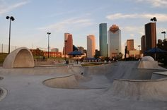 Grab your skateboard and head for The Lee and Joe Jamail Skatepark near dowtown. Near Eleanor Tinsley Park, it is a great option on those days that are not super hot. Outdoor Theater, Local Attractions, U.s. States, Free Things To Do, Skate Park, First World, North America, Stuff To Do