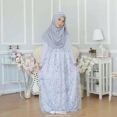 @muslimahexclusive Muslimah Wedding Dress, Hijab Style Dress, Muslim Wedding Dresses, Muslim Dress, Bridesmaid Dresses, Kebaya Hijab, Kebaya Dress, Tulle Dress, I Dress