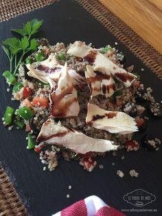Una fácil y y sana ensalada de quinoa con bonito en aceite de oliva; tan rápido de hacer como buena para nuestra salud salud. Una receta ideal para comer .