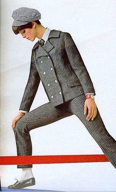 Vintage Fashion Pinstripes From Seventeen, August 1966 Sixties Fashion, Mod Fashion, Teen Fashion, Vintage Fashion, Womens Fashion, Op Art, Style Année 60, Moda Retro, Nostalgia