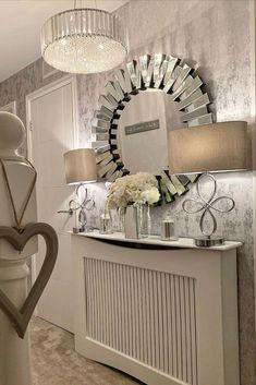 Grey Wallpaper Living Room, Mirror Decor Living Room, Silver Living Room, Living Room Decor Cozy, Living Room Grey, Home And Living, Modern Living, Grey Hallway, Hallway Mirror