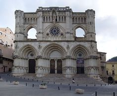 Catedral de Cuenca. Vista de la fachada principal.