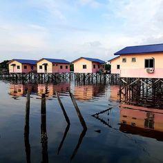 Traditional homestay in Kampung Patau-Patau 2 at #Labuan Island #Malaysia #Borneo  Photo by @kian.kiang Labuan, Borneo, Island, Traditional, Mansions, House Styles, Instagram, Manor Houses, Villas