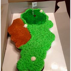 Golf pull apart cupcake cake--would be cute for Father's Day