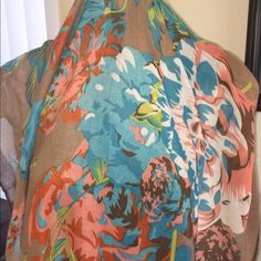Beautiful scarf/sarong Nothing screams spring like this beautiful scarf. this is big enough to be worn as a sarong. great condition!! Other