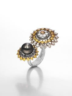 'Desigual' collection: white gold, diamonds, sapphires, Tahitian pearl.