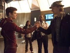 Barry Allen/The Flash (Earth 1) meets Jay Garrick/The Flash (Earth 2)