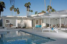 Mid-century architecture: Mid-century modern architecture projects in Palm Springs Palm Springs Häuser, Palm Springs Style, Mid Century Modern Design, Modern House Design, Modern Interior Design, Modern Interiors, House Interiors, Interior Ideas, Mid Century Decor