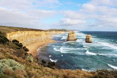 Plan your Great Ocean Road drive itinerary with this useful guide, which includes top attractions, such as the 12 Apostles, and where to find accommodation. Melbourne Docklands, Melbourne Street, Melbourne Beach, Melbourne Accommodation, Melbourne Attractions, Wilsons Promontory, Queen Victoria Market, Brunswick Street, Melbourne Suburbs