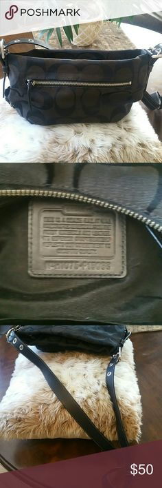 COACH COACH purse. BLACK. IT'S A REAL ONE. Some wear, some fading. The strap is ajustable it can even can be dubbled. Inside is in great condition. Coach Bags